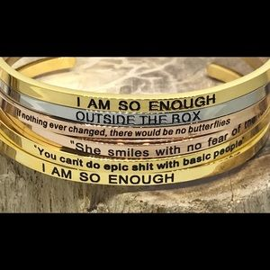 Jewelry - She Smiles With No Fear of the Future bracelet